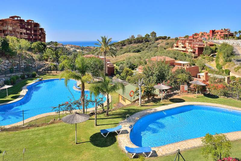 piscina-La-Reserva-de-Marbella